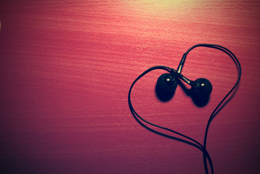 Songs for wallowing: Heartbreak Kid, amixtape